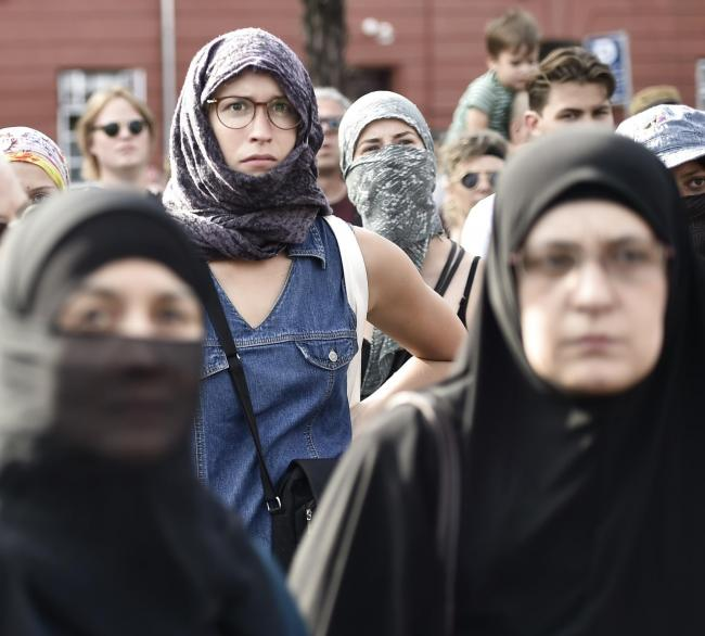 EU court wants to ban religious political symbols