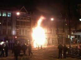Wandsworth Times: Battersea Party Superstore in flames