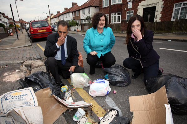 Wandsworth Guardian: WAND New refuse system causes rubbish chaos