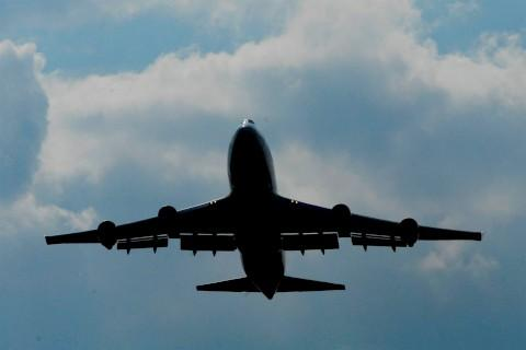Heathrow Airport flight pattern trials underway