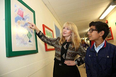 Toyah Willcox opens gallery created by Nepalese children