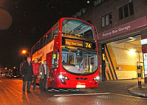 Wandsworth Guardian: WAND Campaigners celebrate fleet of clean buses