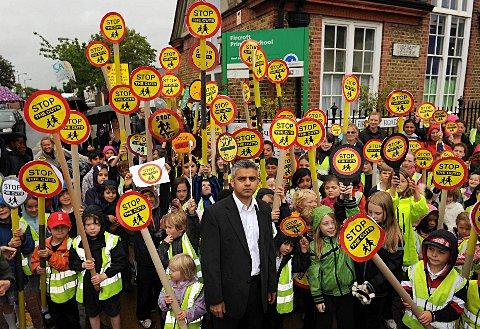 Sadiq Khan MP and children protest outside Fircroft school