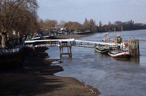 Putney Pier changes receive rollocking from rowing community