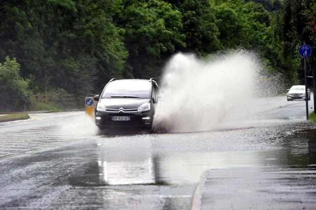 Environment agency warns of gales and flooding this weekend