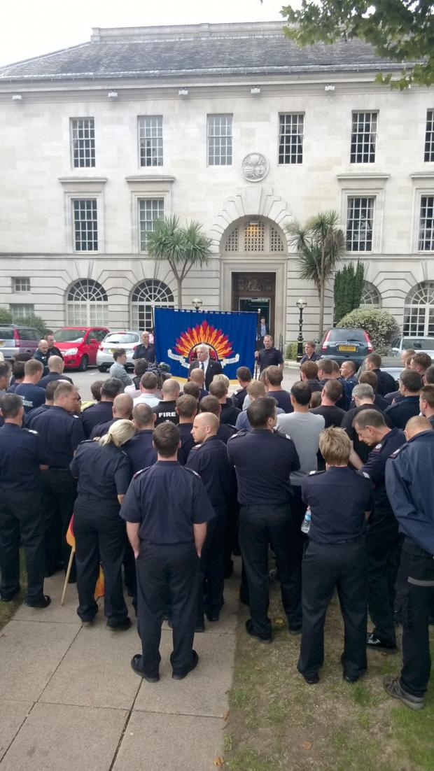 Wandsworth Guardian: FBU president Alan McLean speaks to striking firefighters at protest in Kingston in November 2013