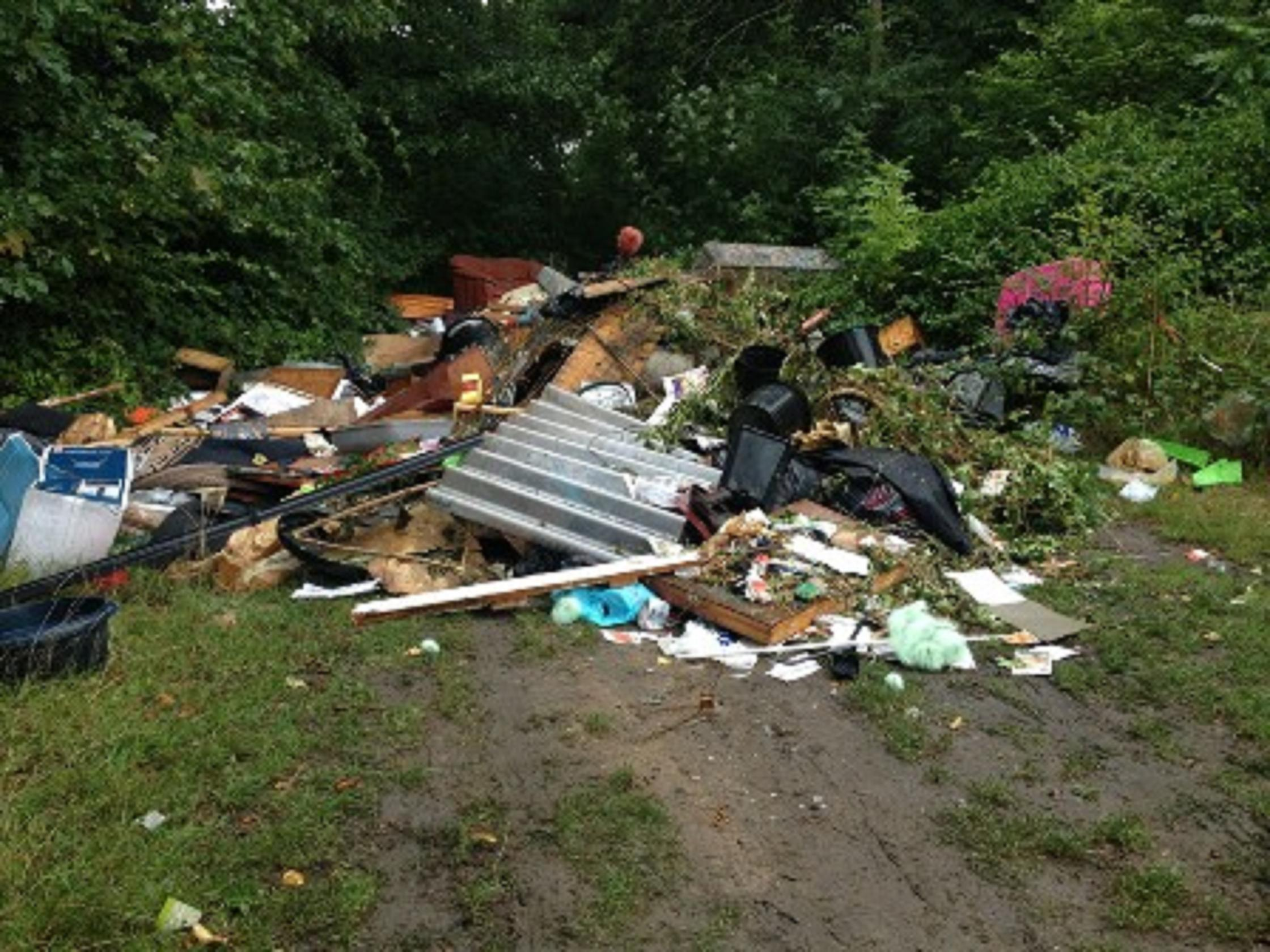 Travellers dumped 40 tonnes of waste
