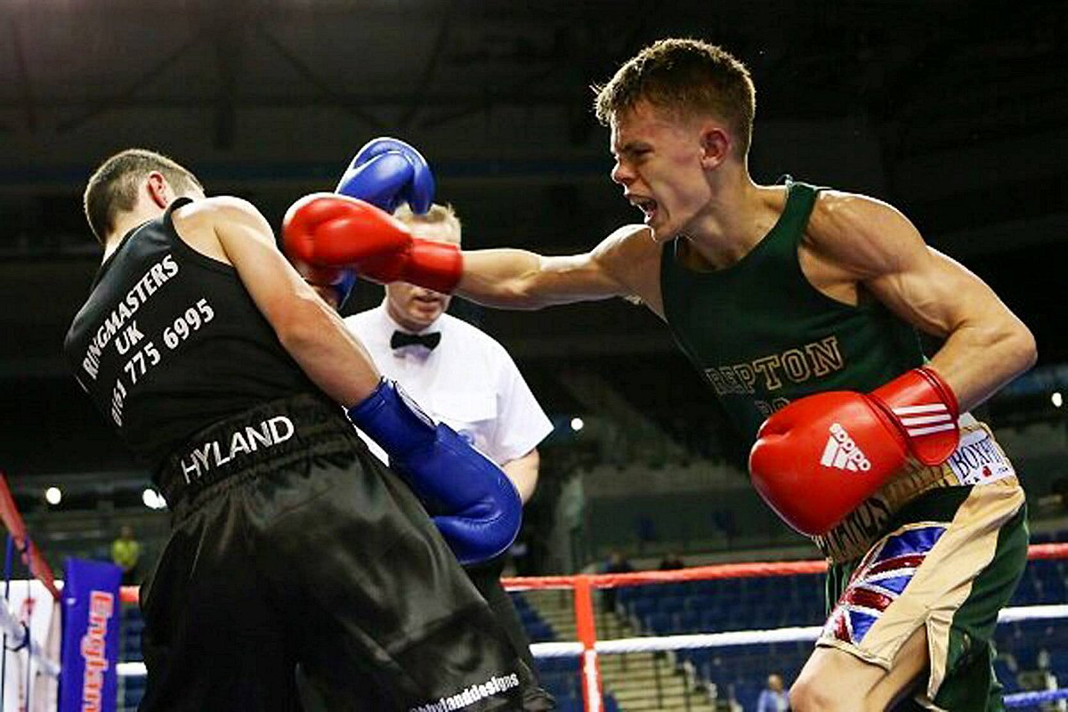 Raging Bul: Charlie Edwards, left, en route to winning the ABA England National Finals in April