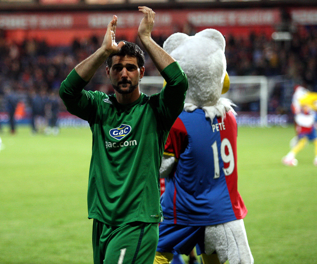 Wandsworth Guardian: Speroni claps the fans at the end of Monday night's thriller