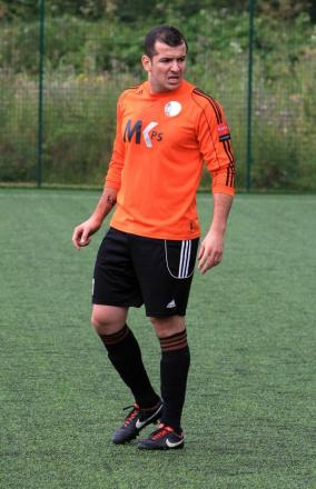 From red to orange: Adriano Moraes will be a Walton Casuals man this season