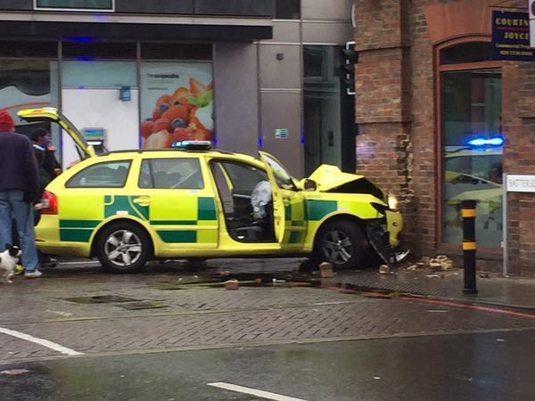 Ambulance Car Smashes Into Pizza Express In Battersea Bridge