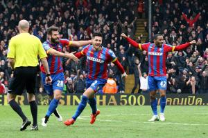 Crystal Palace: Ward hails the Eagles faithful after signing on the dotted line