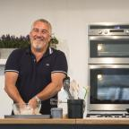 Wandsworth Guardian: Paul gave TWO handshakes on Bake Off and no-one knows what it means