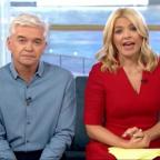 Wandsworth Guardian: Holly Willoughby apologises after Joey Essex swears on This Morning