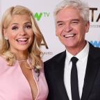 Wandsworth Guardian: Holly Willoughby teases Phillip Schofield over his 'horrible' holiday in Dubai