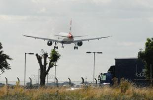 Wandsworth Guardian: Hounslow PCT threatens to sue BAA over third Heathrow runway