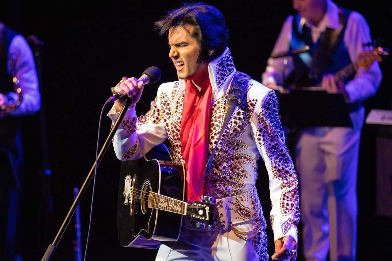 Chris Connor is The King in The World Famous Elvis Show