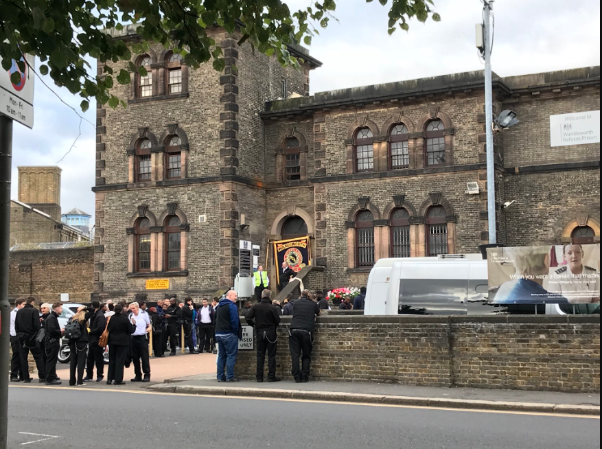 Prison Officers protesting outside HMP Wandsworth. Picture credit: Wandsworth Radio/Twitter
