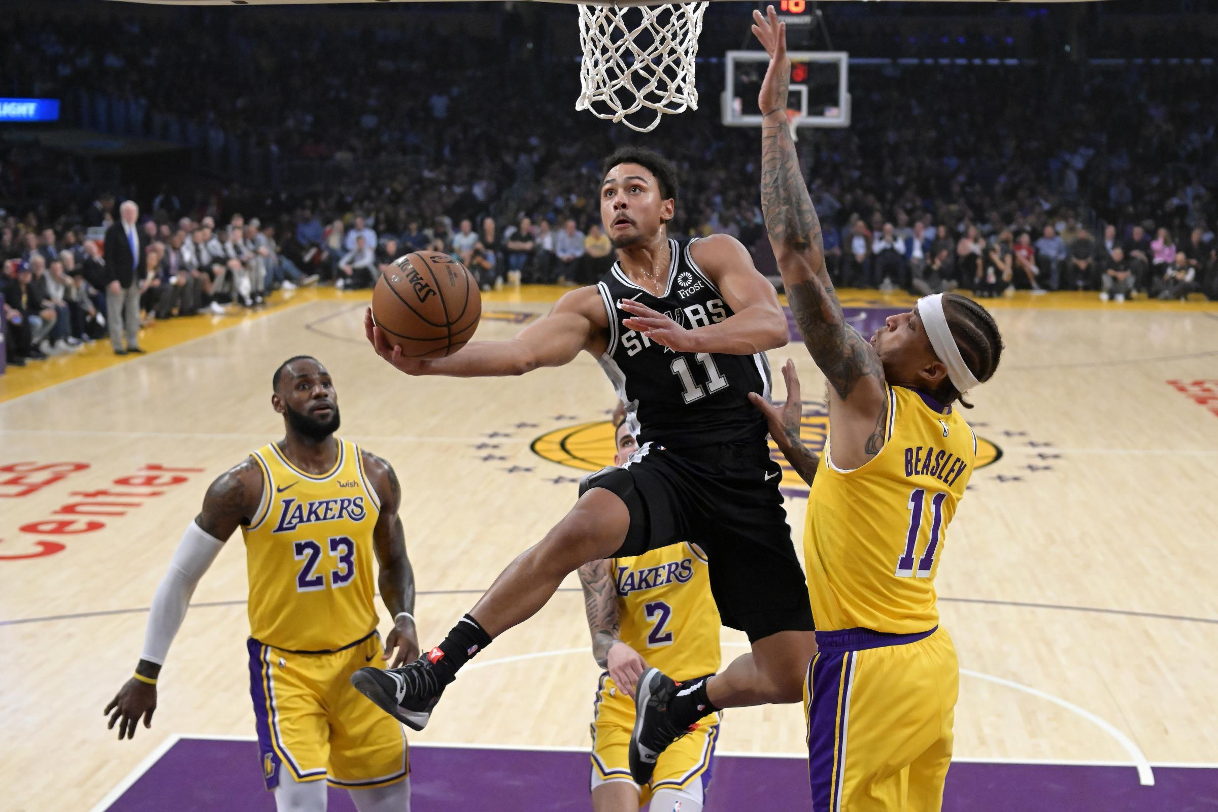 San Antonio Spurs downed the Lakers in a thriller